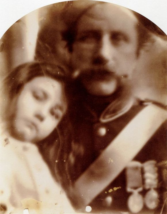 Julia Margaret Cameron, Kate Keown y su padre Thomas Keown (mayo de 1864)